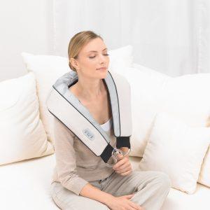 dai-massage-tri-dau-vai-gay-lung-beurer-mg150-